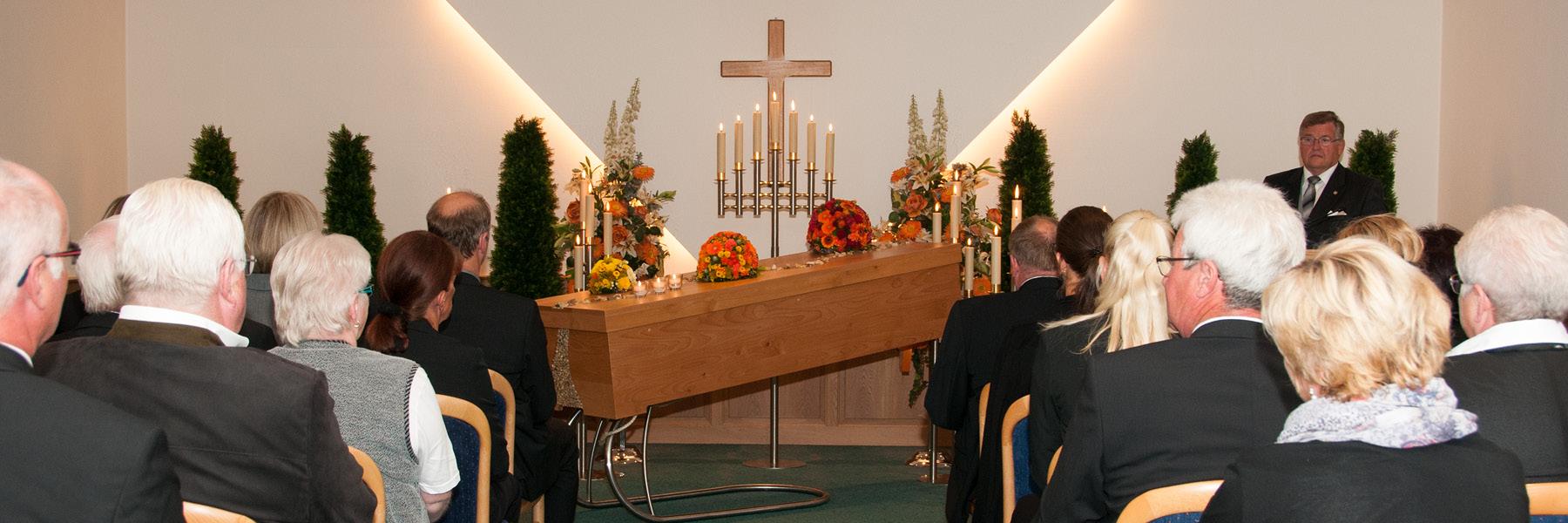 Bestattungshaus mit eigener Feierhalle