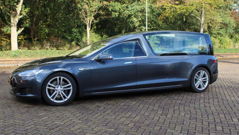Tesla Bestattungswagen