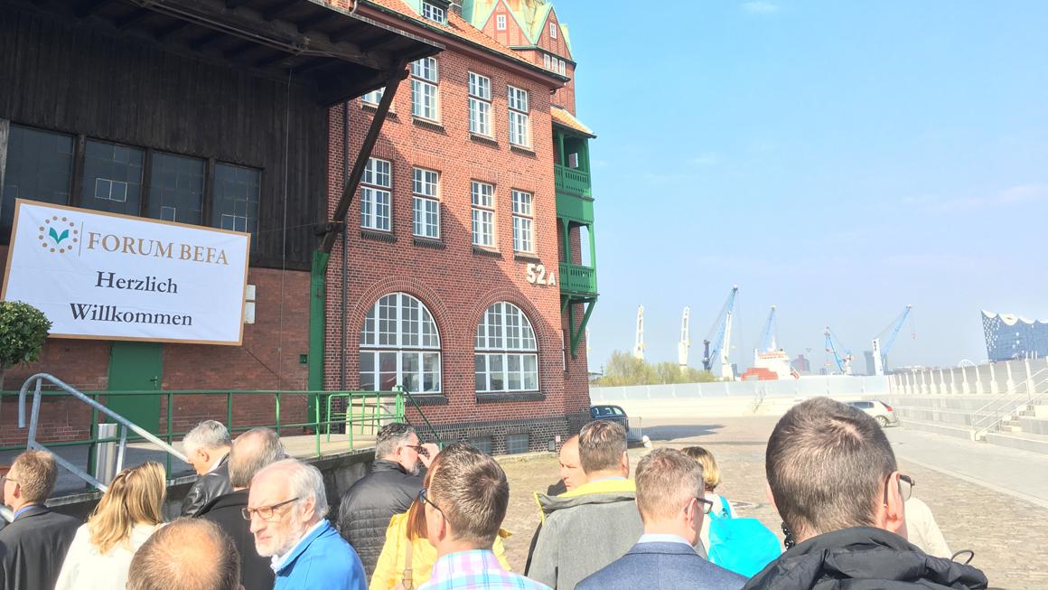 Bestattermesse in Hamburg